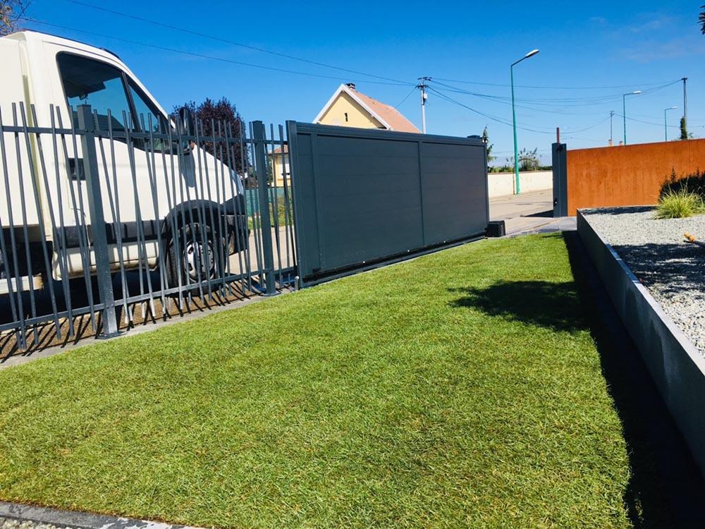 Gazon en rouleau installé à Sausheim par paysagiste Jubra Paysage